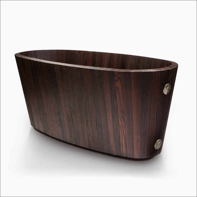 deep-wooden-craftsman-tub-khis-frants-seer-2b.jpg