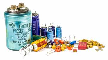 Selection of leaded & SMD capacitors.